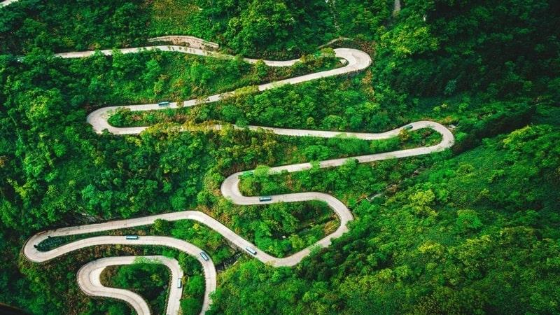 winding_roads_premium
